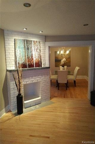 Photo 2: 557 Rosedale Avenue in Winnipeg: Fort Rouge Residential for sale (1Aw)  : MLS®# 1802100