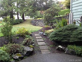 Photo 8: 211 1490 Garnet Road in VICTORIA: SE Cedar Hill Residential for sale (Saanich East)  : MLS®# 327661