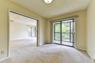 """Photo 9: 212 1521 BLACKWOOD Street: White Rock Condo for sale in """"The Sandringham"""" (South Surrey White Rock)  : MLS®# R2263441"""