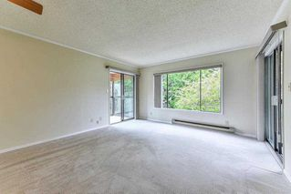 """Photo 2: 212 1521 BLACKWOOD Street: White Rock Condo for sale in """"The Sandringham"""" (South Surrey White Rock)  : MLS®# R2263441"""