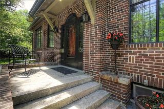 Photo 2: 138 Harrow Street in Winnipeg: Crescentwood Residential for sale (1C)  : MLS®# 1814456