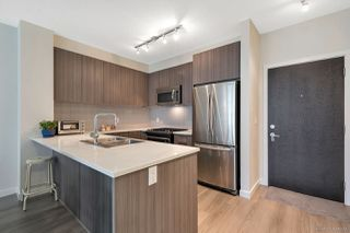 """Photo 5: 205 1152 WINDSOR Mews in Coquitlam: New Horizons Condo for sale in """"PARKER HOUSE"""" : MLS®# R2283746"""