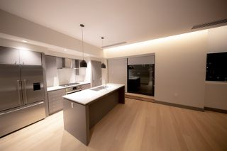 "Photo 3: 401 1510 W 6TH Avenue in Vancouver: Fairview VW Condo for sale in ""THE ZONDA"" (Vancouver West)  : MLS®# R2295200"
