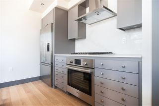 "Photo 5: 401 1510 W 6TH Avenue in Vancouver: Fairview VW Condo for sale in ""THE ZONDA"" (Vancouver West)  : MLS®# R2295200"