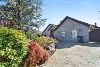 "Photo 2: 5945 153 Street in Surrey: Sullivan Station House for sale in ""Sullivan Station"" : MLS®# R2315718"