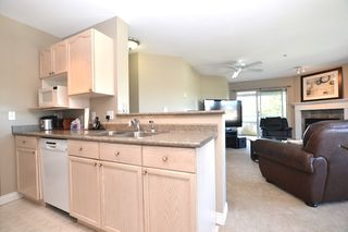 """Photo 7: 440 33173 OLD YALE Road in Abbotsford: Central Abbotsford Condo for sale in """"SOMMERSET RIDGE"""" : MLS®# R2341914"""