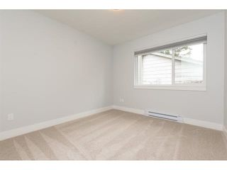 """Photo 10: 3 1466 EVERALL Street: White Rock Townhouse for sale in """"THE FIVE"""" (South Surrey White Rock)  : MLS®# R2351081"""