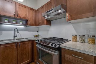 "Photo 9: 407 2601 WHITELEY Court in North Vancouver: Lynn Valley Condo for sale in ""Branches"" : MLS®# R2355121"