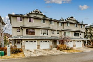 Photo 1: 20 CRYSTAL SHORES Cove: Okotoks Row/Townhouse for sale : MLS®# C4238313