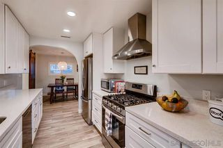 Photo 4: CLAIREMONT House for sale : 3 bedrooms : 3928 Mount Ainsworth Ave in San Diego
