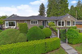 Main Photo: 901 HENDRY Avenue in North Vancouver: Boulevard House for sale : MLS®# R2371292