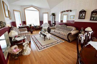 Photo 3: 7927 165 Avenue in Edmonton: Zone 28 House for sale : MLS®# E4158382