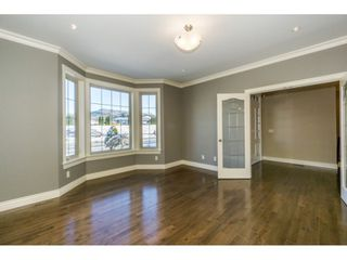 Photo 10: 3943 COACHSTONE Way in Abbotsford: Abbotsford East House for sale : MLS®# R2372528