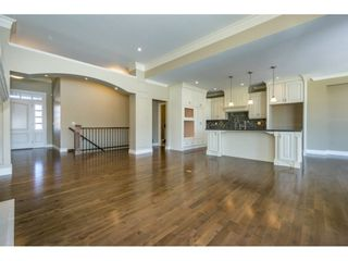 Photo 4: 3943 COACHSTONE Way in Abbotsford: Abbotsford East House for sale : MLS®# R2372528