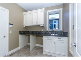 Photo 15: 3943 COACHSTONE Way in Abbotsford: Abbotsford East House for sale : MLS®# R2372528