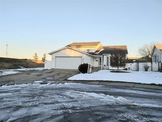 Photo 1: 12447 55 Street NW in Edmonton: Zone 06 House for sale : MLS®# E4160157