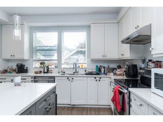 """Photo 8: 20994 77A Avenue in Langley: Willoughby Heights Condo for sale in """"IVY ROW"""" : MLS®# R2381955"""