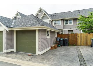 """Photo 16: 20994 77A Avenue in Langley: Willoughby Heights Condo for sale in """"IVY ROW"""" : MLS®# R2381955"""