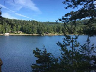 Photo 2: 12885 OYSTER BAY Road in Pender Harbour: Pender Harbour Egmont House for sale (Sunshine Coast)  : MLS®# R2382405