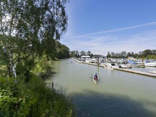"Photo 18: 301 6263 RIVER Road in Delta: Neilsen Grove Condo for sale in ""RIVERHOUSE"" (Ladner)  : MLS®# R2383689"