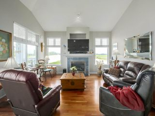 "Photo 3: 301 6263 RIVER Road in Delta: Neilsen Grove Condo for sale in ""RIVERHOUSE"" (Ladner)  : MLS®# R2383689"