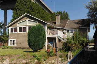 Photo 4: 20028 WHARF Street in Maple Ridge: Southwest Maple Ridge House for sale : MLS®# R2398924