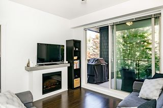 "Photo 4: 302 7418 BYRNEPARK Walk in Burnaby: South Slope Condo for sale in ""South Slope/Edmonds"" (Burnaby South)  : MLS®# R2412356"