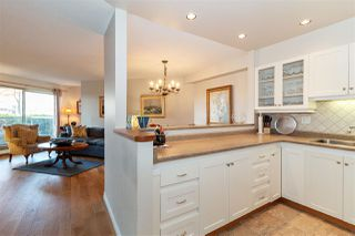 """Photo 7: 1106 33 CHESTERFIELD Place in North Vancouver: Lower Lonsdale Condo for sale in """"Harbour Front Park"""" : MLS®# R2418348"""