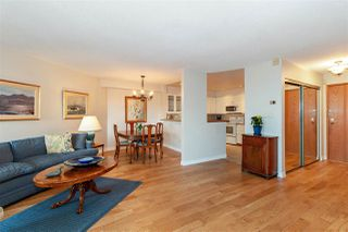 """Photo 3: 1106 33 CHESTERFIELD Place in North Vancouver: Lower Lonsdale Condo for sale in """"Harbour Front Park"""" : MLS®# R2418348"""