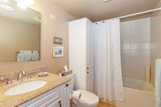 """Photo 10: 1106 33 CHESTERFIELD Place in North Vancouver: Lower Lonsdale Condo for sale in """"Harbour Front Park"""" : MLS®# R2418348"""