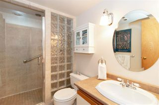 """Photo 11: 1106 33 CHESTERFIELD Place in North Vancouver: Lower Lonsdale Condo for sale in """"Harbour Front Park"""" : MLS®# R2418348"""
