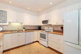 """Photo 6: 1106 33 CHESTERFIELD Place in North Vancouver: Lower Lonsdale Condo for sale in """"Harbour Front Park"""" : MLS®# R2418348"""