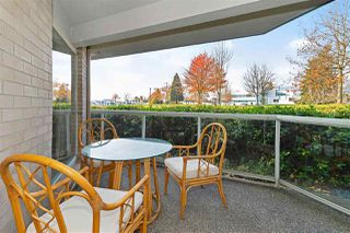"""Photo 15: 1106 33 CHESTERFIELD Place in North Vancouver: Lower Lonsdale Condo for sale in """"Harbour Front Park"""" : MLS®# R2418348"""
