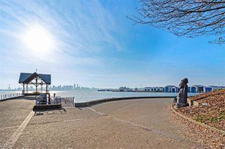 """Photo 19: 1106 33 CHESTERFIELD Place in North Vancouver: Lower Lonsdale Condo for sale in """"Harbour Front Park"""" : MLS®# R2418348"""
