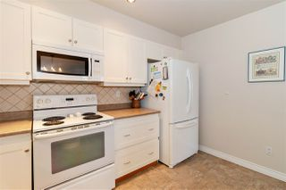 """Photo 8: 1106 33 CHESTERFIELD Place in North Vancouver: Lower Lonsdale Condo for sale in """"Harbour Front Park"""" : MLS®# R2418348"""