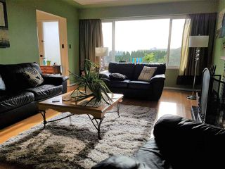 Photo 3: 3837 HURST Street in Burnaby: Suncrest House for sale (Burnaby South)  : MLS®# R2419284