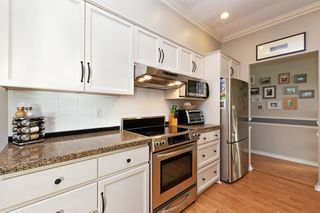 """Photo 8: 208 25 RICHMOND Street in New Westminster: Fraserview NW Condo for sale in """"FRASERVIEW"""" : MLS®# R2423119"""