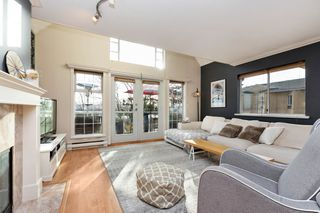"Photo 2: 208 25 RICHMOND Street in New Westminster: Fraserview NW Condo for sale in ""FRASERVIEW"" : MLS®# R2423119"