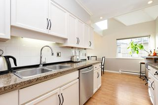 "Photo 9: 208 25 RICHMOND Street in New Westminster: Fraserview NW Condo for sale in ""FRASERVIEW"" : MLS®# R2423119"