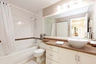 """Photo 14: 208 25 RICHMOND Street in New Westminster: Fraserview NW Condo for sale in """"FRASERVIEW"""" : MLS®# R2423119"""