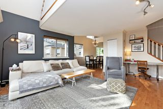 "Photo 3: 208 25 RICHMOND Street in New Westminster: Fraserview NW Condo for sale in ""FRASERVIEW"" : MLS®# R2423119"