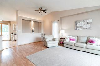 Photo 2: 3 Kildonan Meadow Drive in Winnipeg: Kildonan Meadows Residential for sale (3K)  : MLS®# 202013395