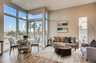 Main Photo: POINT LOMA Townhome for sale : 2 bedrooms : 3030 Jarvis #7 in San Diego