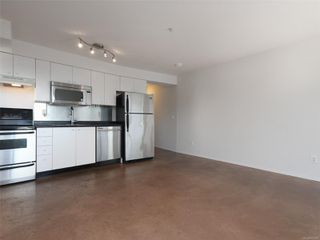 Photo 4: 302 932 Johnson St in : Vi Downtown Condo Apartment for sale (Victoria)  : MLS®# 855828