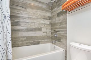 """Photo 15: 412 311 E 6TH Avenue in Vancouver: Mount Pleasant VE Condo for sale in """"THE WOHLSIEN"""" (Vancouver East)  : MLS®# R2501073"""