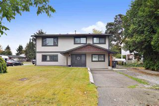 Main Photo: 6181 175A Street in Surrey: Cloverdale BC House for sale (Cloverdale)  : MLS®# R2502675