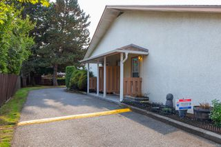 Photo 2: 7 974 DUNFORD Ave in : La Langford Proper Row/Townhouse for sale (Langford)  : MLS®# 857182