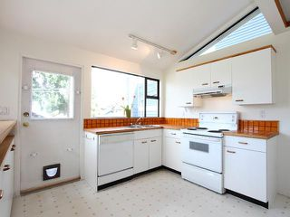Photo 4: 3011 W 3RD Avenue in Vancouver: Kitsilano House for sale (Vancouver West)  : MLS®# V884639