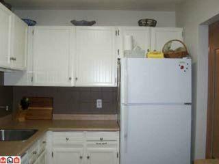 Photo 5: 109 1555 FIR Street: White Rock Condo for sale (South Surrey White Rock)  : MLS®# F1117244