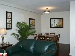 Photo 3: 109 1555 FIR Street: White Rock Condo for sale (South Surrey White Rock)  : MLS®# F1117244